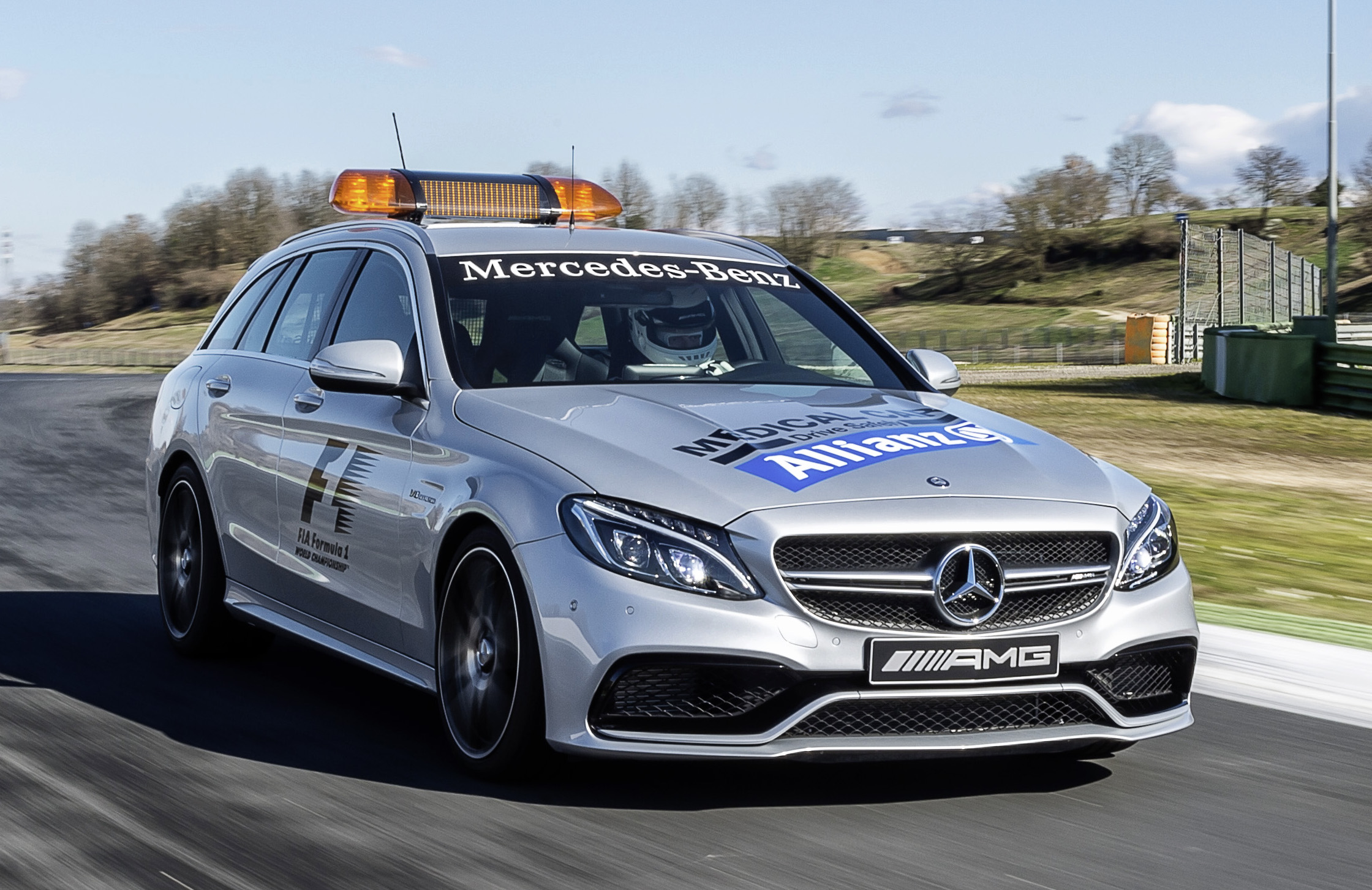 new f1 safety car and medical car unveiled for 2015 mercedes amg gt s and c 63 s estate paul. Black Bedroom Furniture Sets. Home Design Ideas