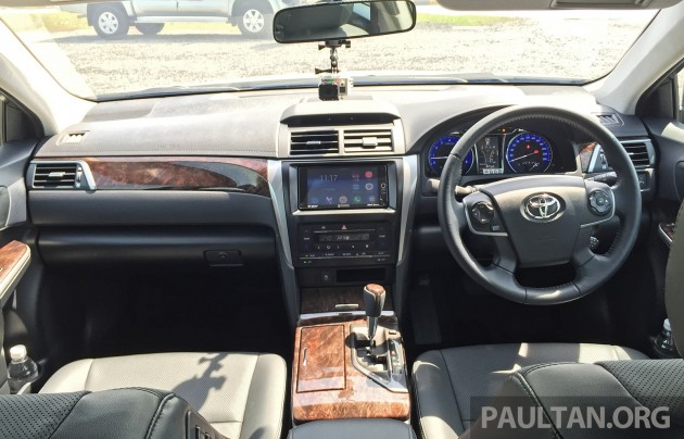 2015 Toyota Camry 2.0 CKD 13