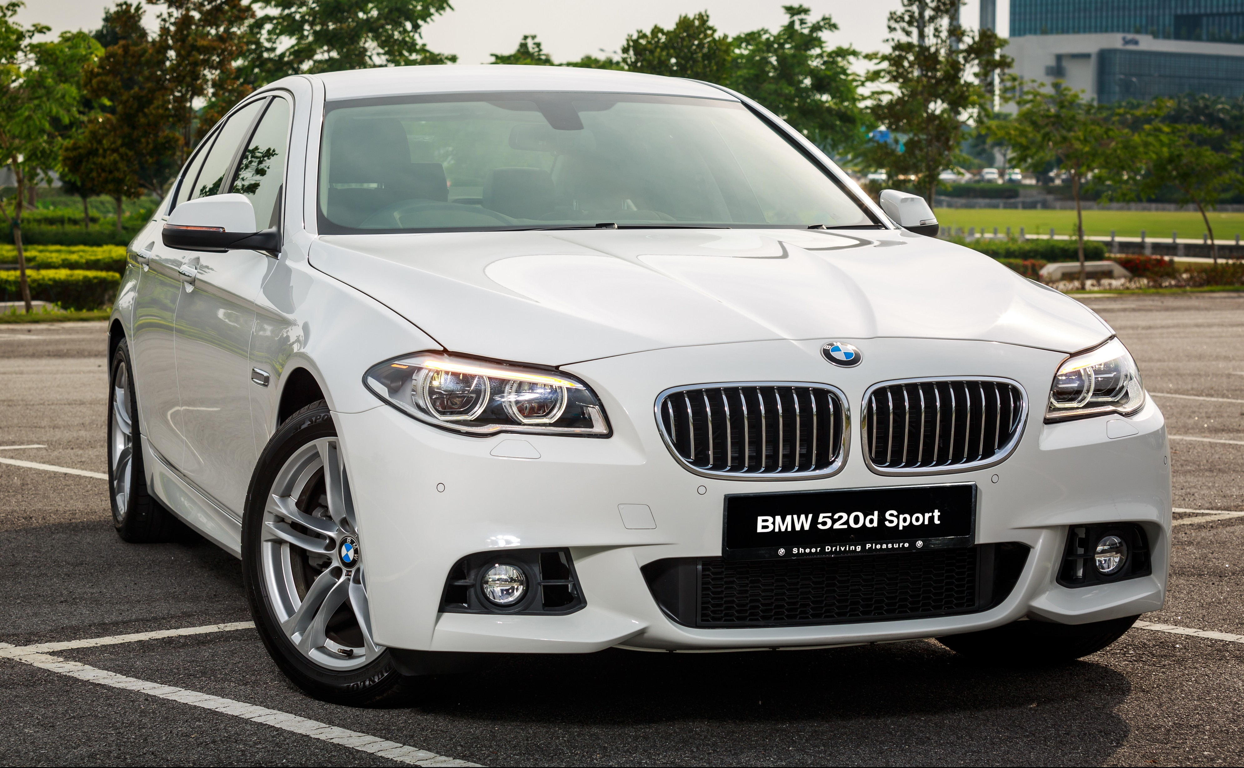 bmw 520d sport introduced in malaysia 50 units. Black Bedroom Furniture Sets. Home Design Ideas