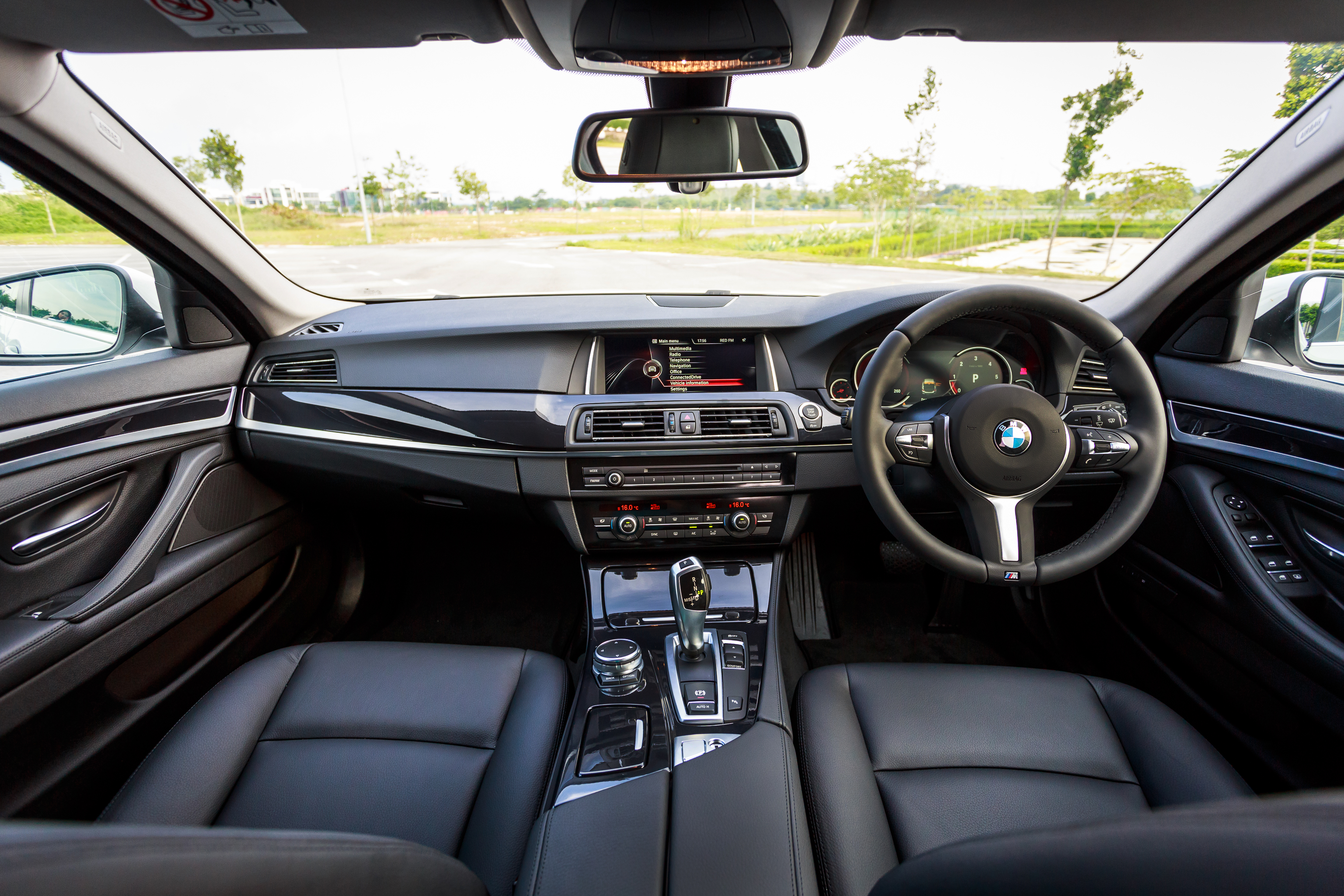 Car interior malaysia - Bmw 520d Sport Introduced In Malaysia 50 Units Image 316429