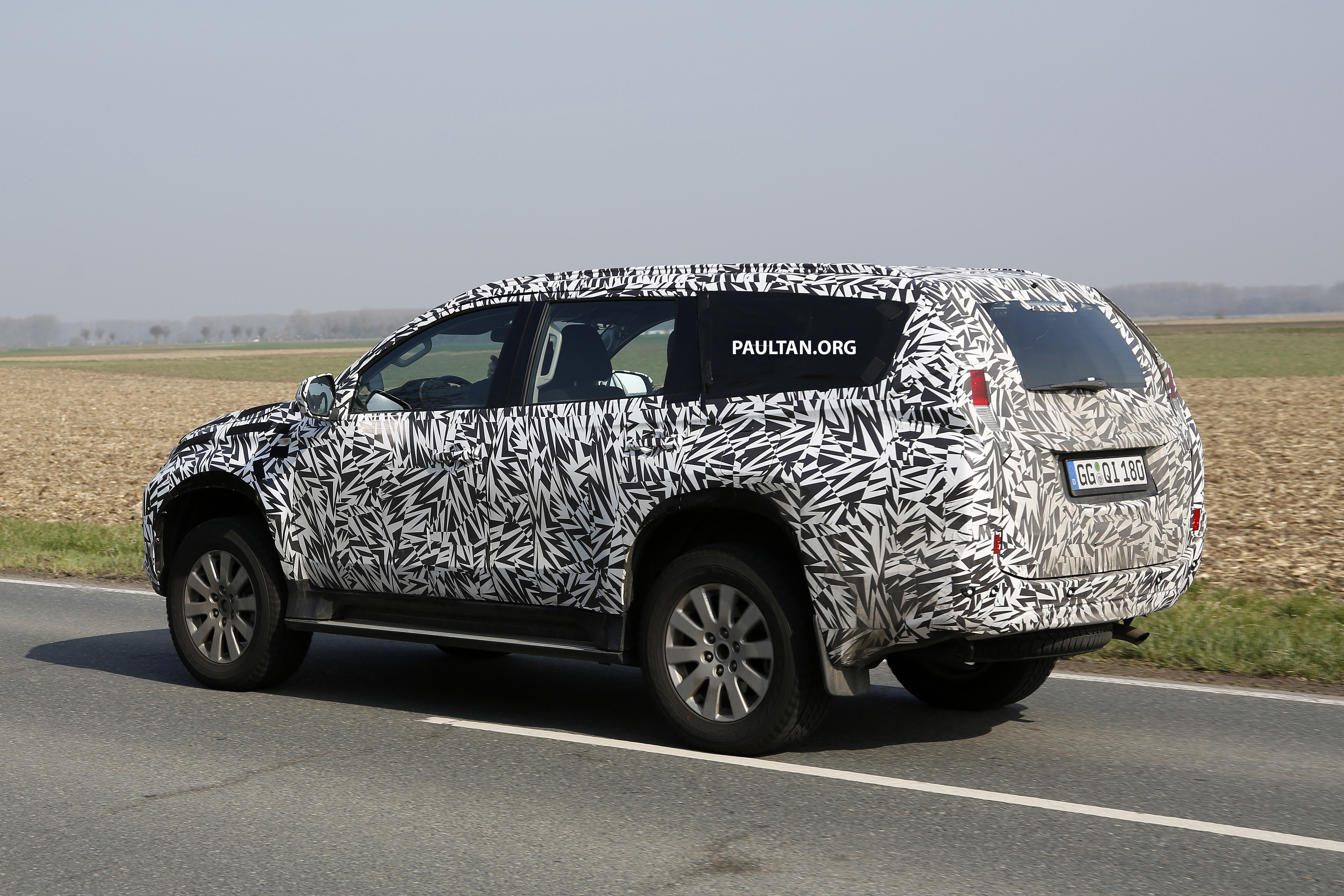 Back to Story: SPIED: 2016 Mitsubishi Pajero Sport first sightings