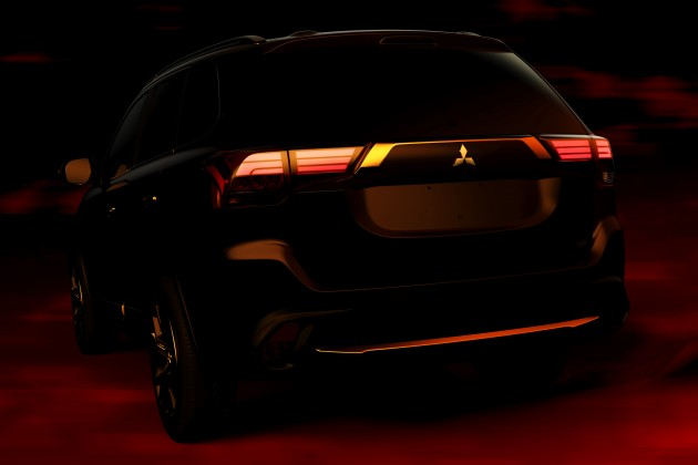 NYIAS 2016 Outlander Rear Teaser
