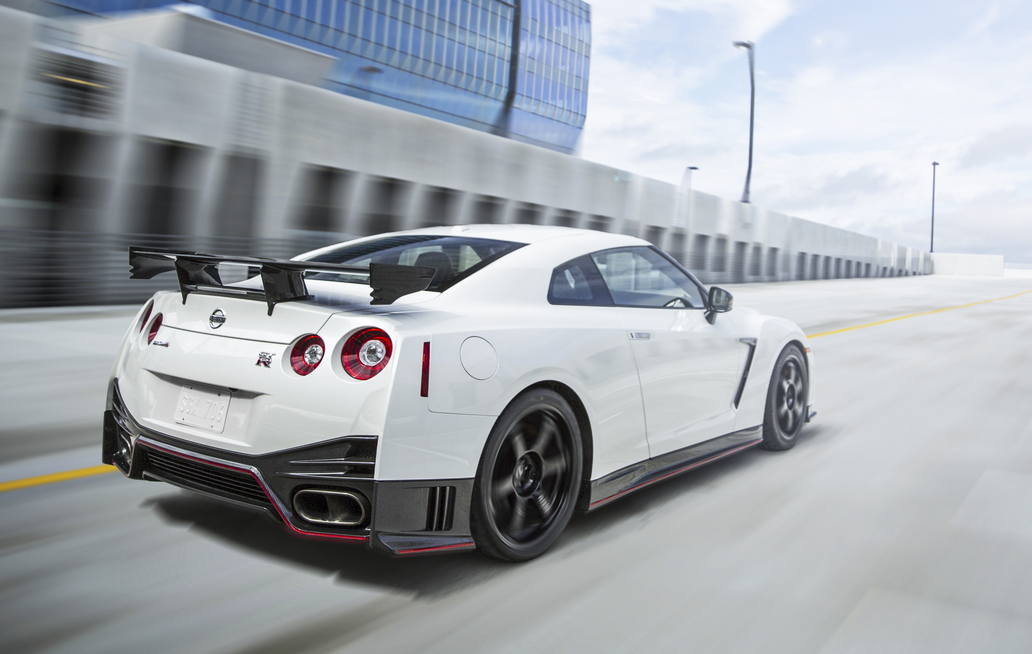 2016 Nissan GT-R gets more power and new wheels Paul Tan ...
