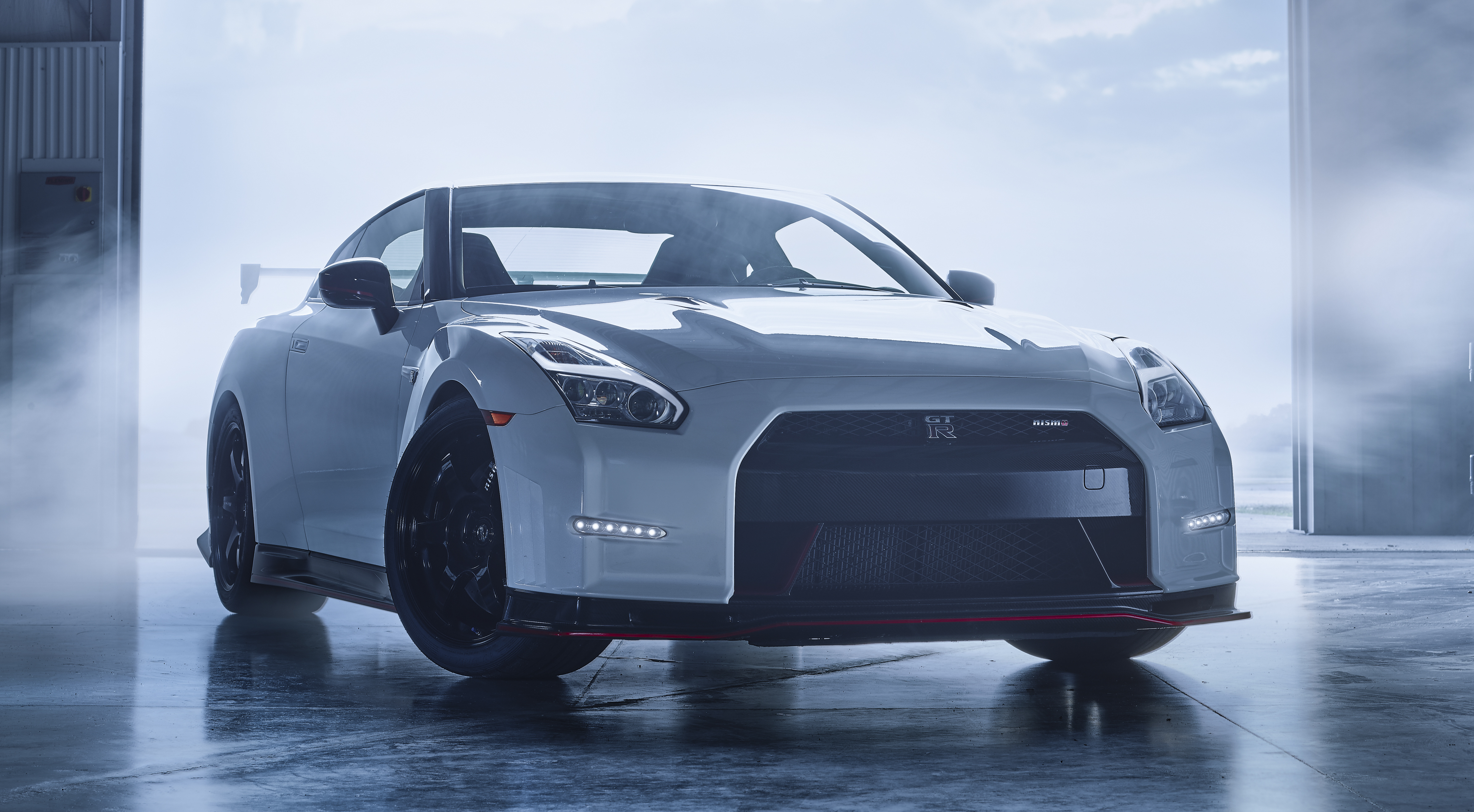 2016 Nissan Gt R Gets More Power And New Wheels Image 319070