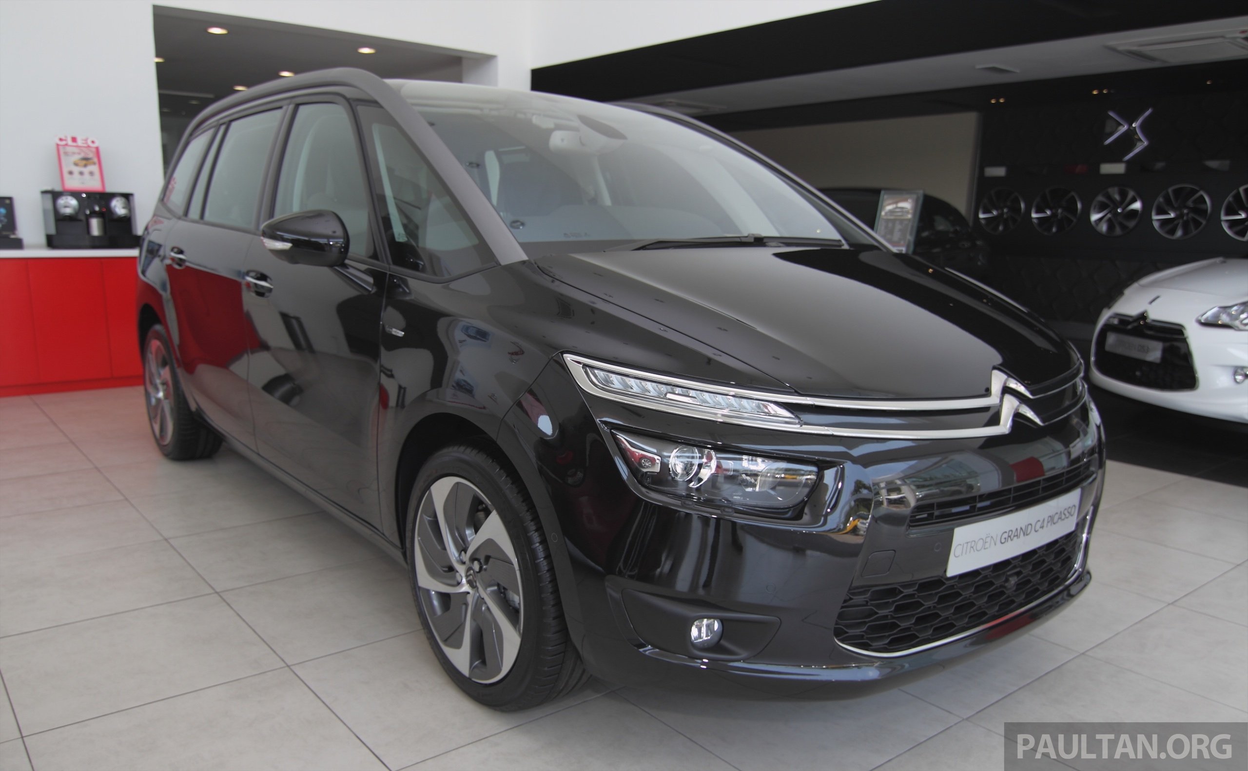 citroen grand c4 picasso petrol thp now in malaysia. Black Bedroom Furniture Sets. Home Design Ideas