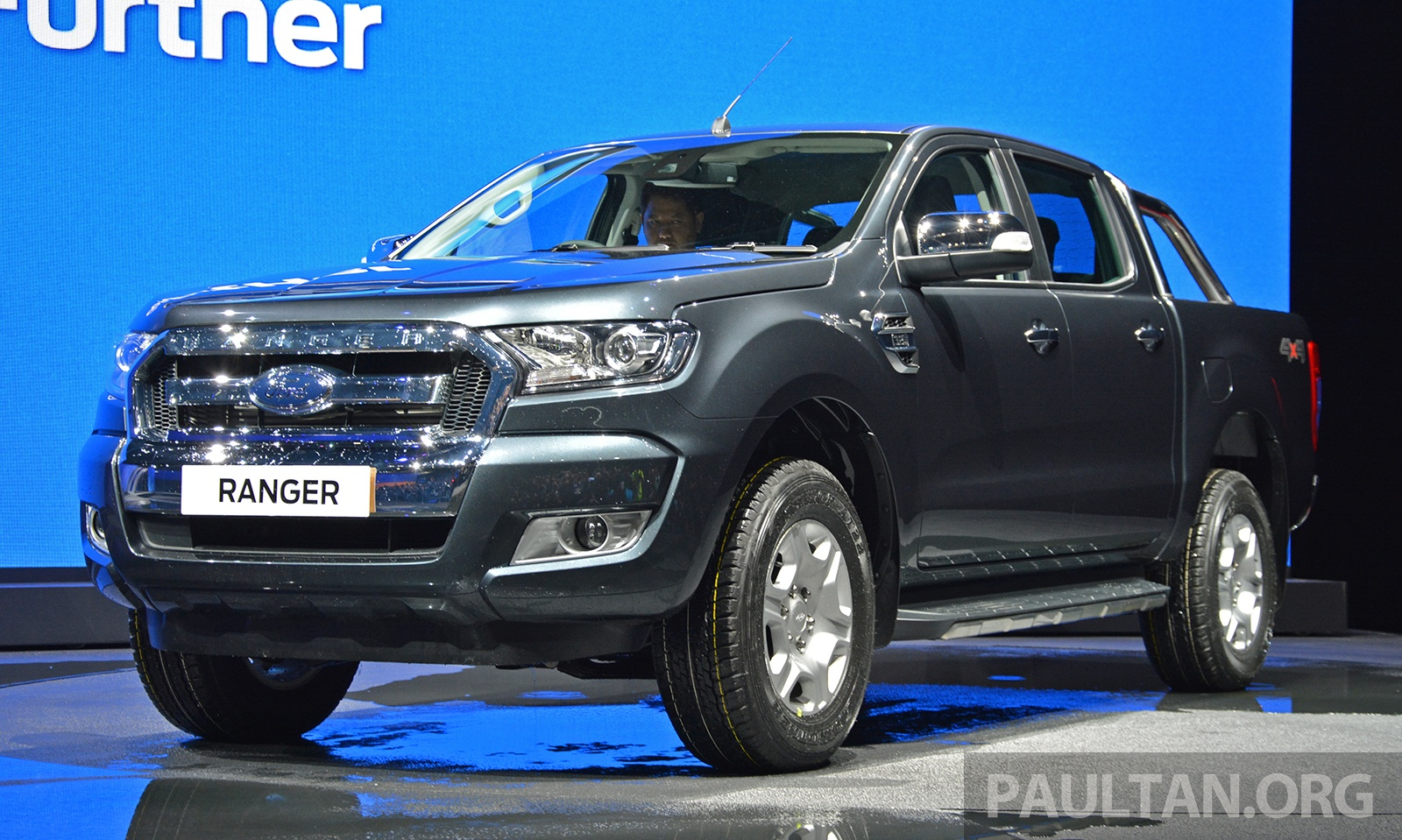 2015 ford ranger facelift makes world debut in thailand. Black Bedroom Furniture Sets. Home Design Ideas