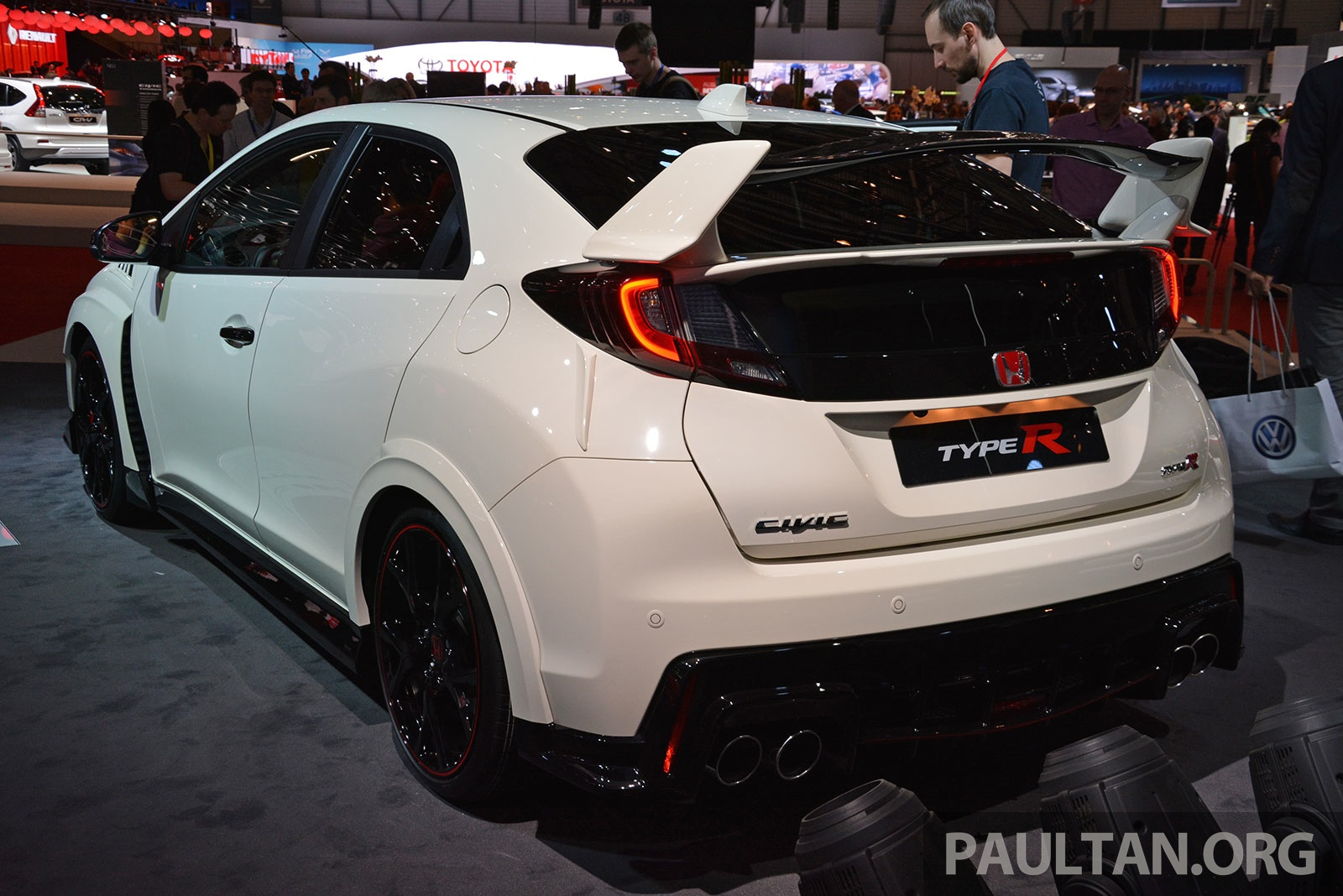 gallery honda civic type r debuts at geneva 2015 image 316053. Black Bedroom Furniture Sets. Home Design Ideas