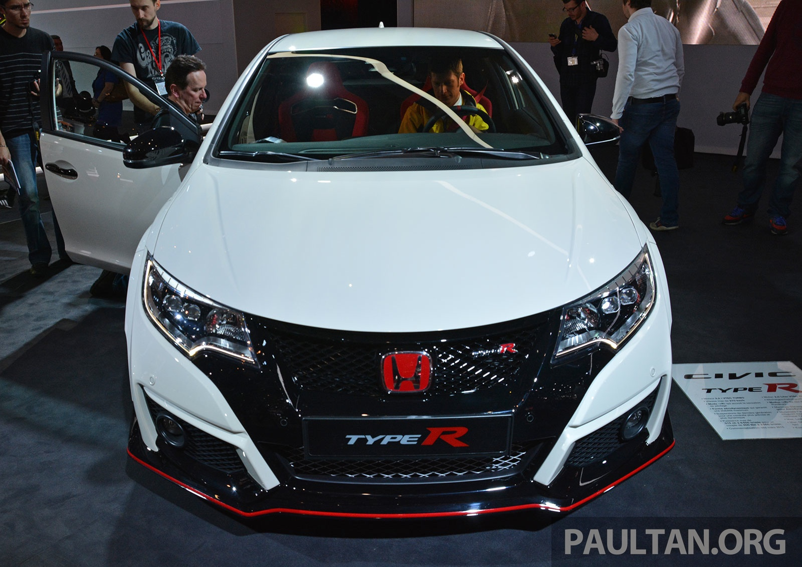 gallery honda civic type r debuts at geneva 2015. Black Bedroom Furniture Sets. Home Design Ideas