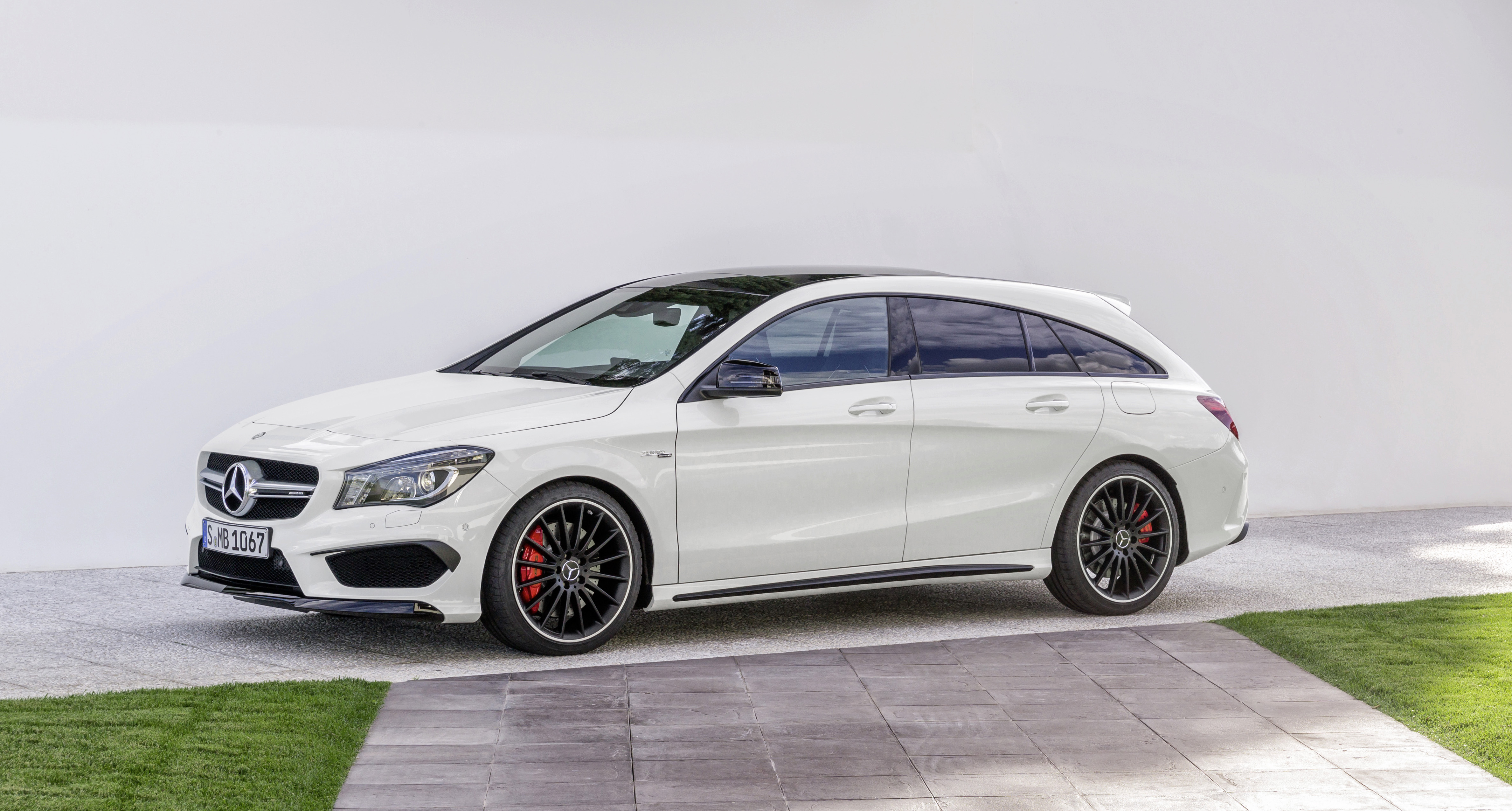 gallery mercedes cla 45 amg shooting brake image 316839. Black Bedroom Furniture Sets. Home Design Ideas