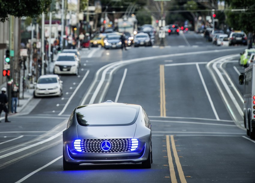 DRIVEN: Mercedes-Benz F 015 Luxury In Motion in SF Image #322069