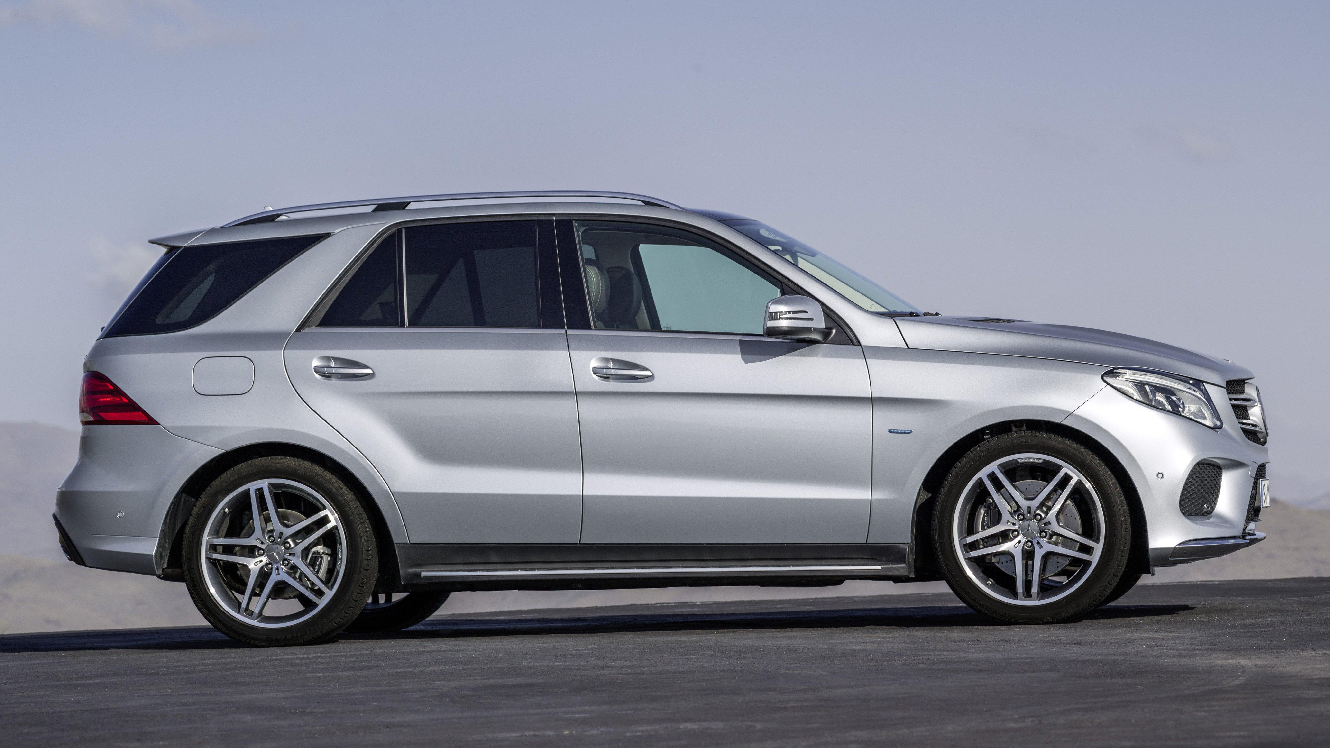 Mercedes benz gle class unveiled former m class gets new for Mercedes benz techs