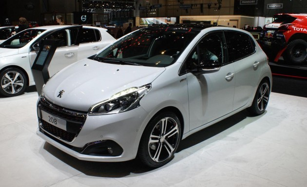 peugeot 208 facelift shown in geneva here in 2016. Black Bedroom Furniture Sets. Home Design Ideas