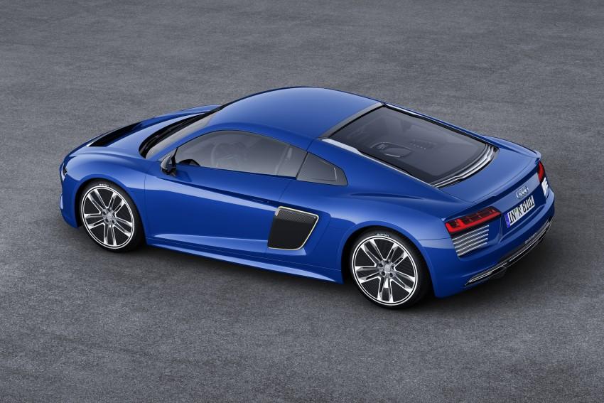 GALLERY: 2016 Audi R8 5.2 FSI V10 and R8 e-tron Image #315202