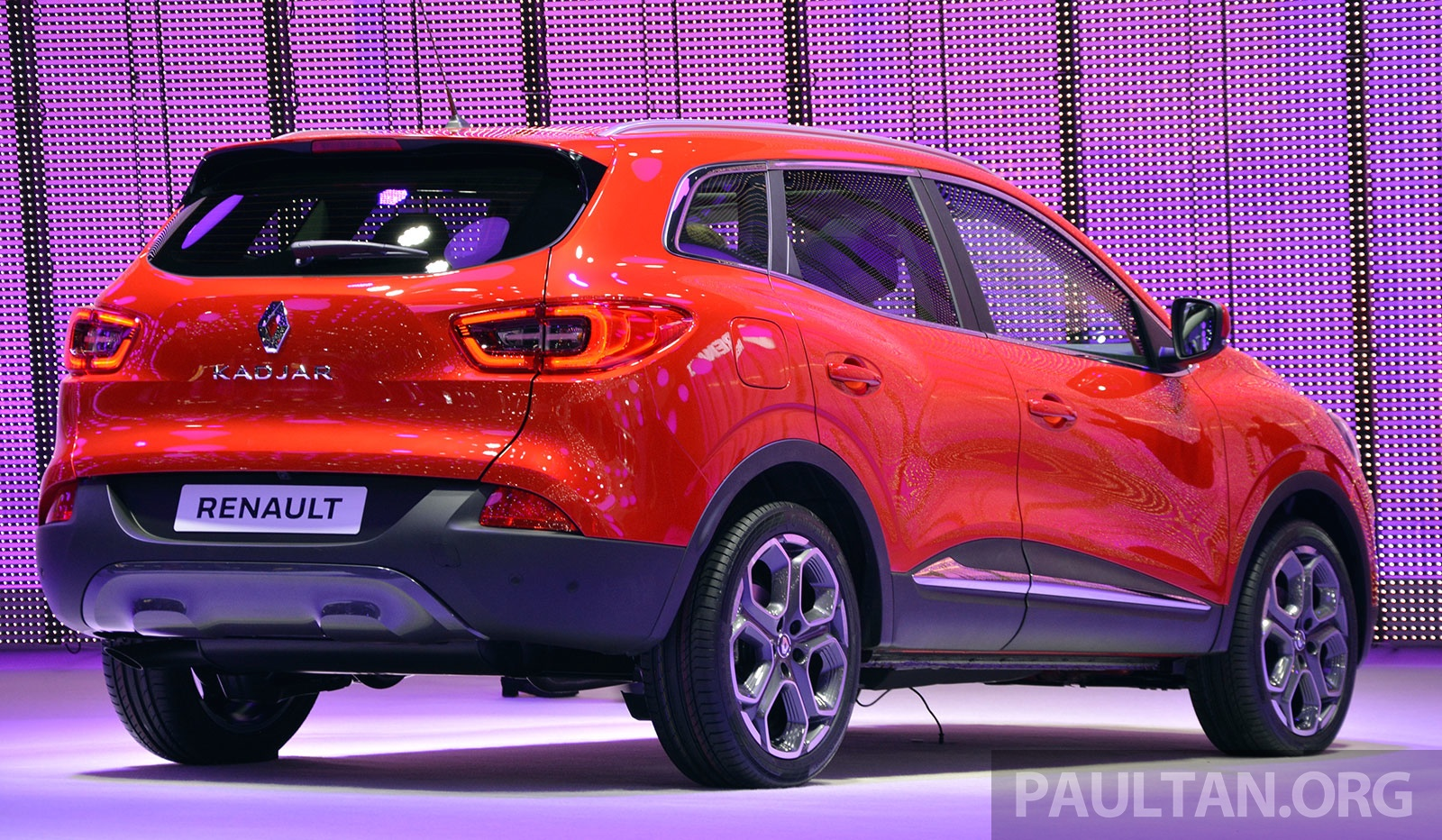 renault kadjar suv nissan qashqai s french sister makes its debut in geneva full live gallery. Black Bedroom Furniture Sets. Home Design Ideas