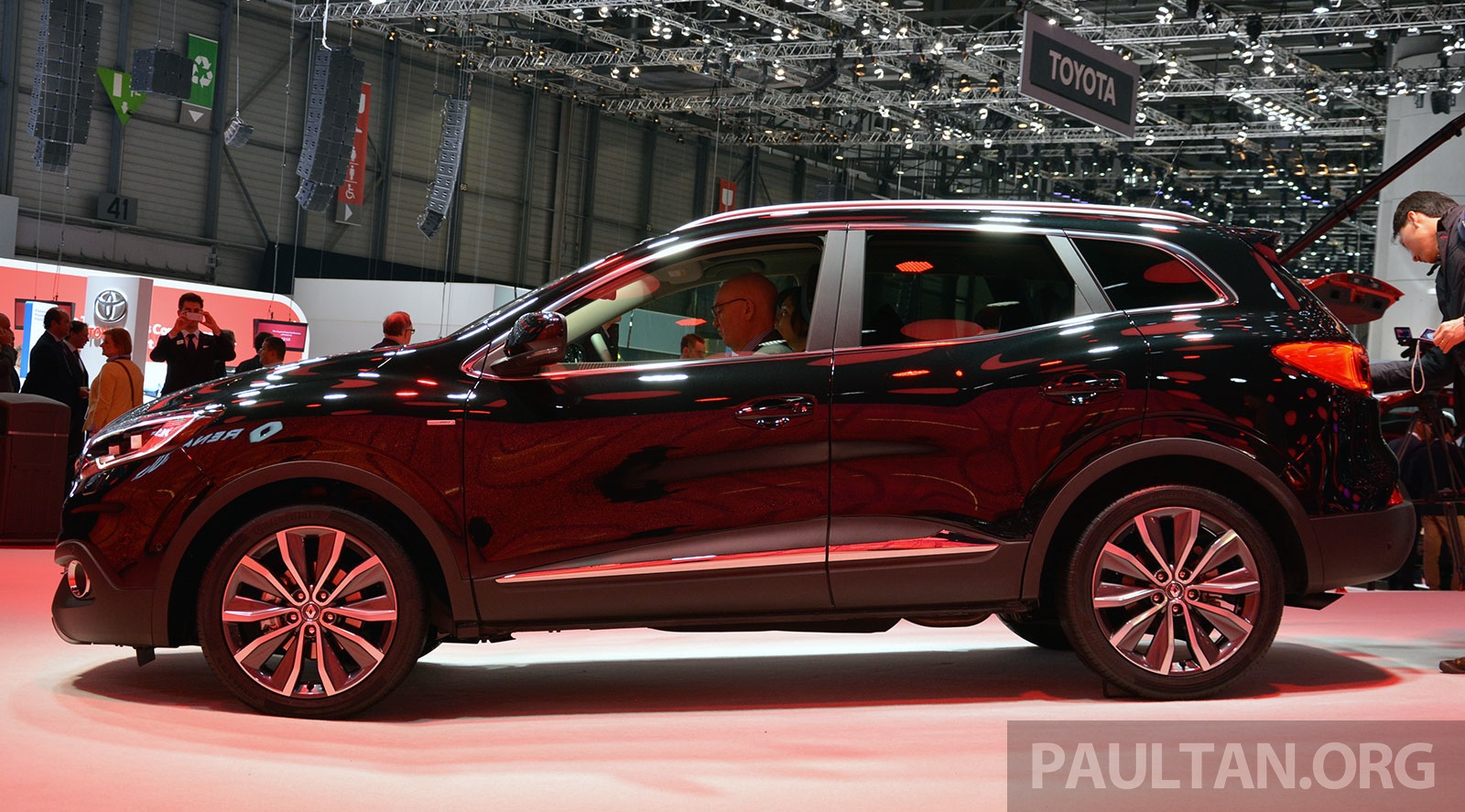 Renault Kadjar SUV – Nissan Qashqai's French sister makes its debut in Geneva; full live gallery ...