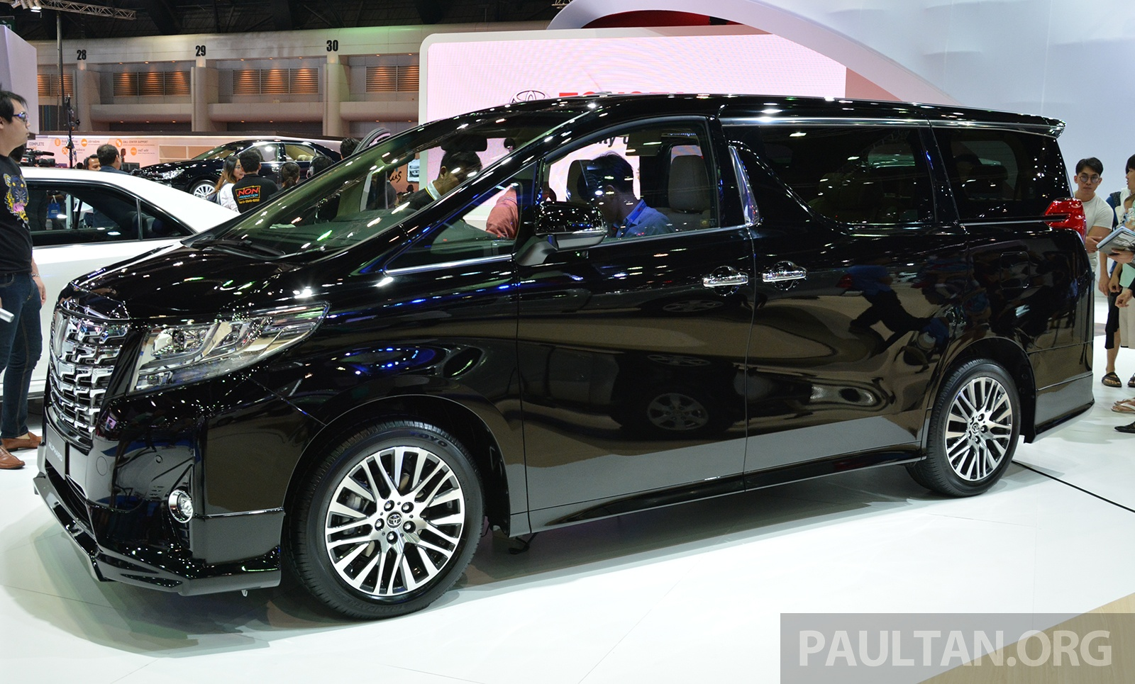 Back to Story: 2015 Toyota Alphard, Vellfire launched in Thailand