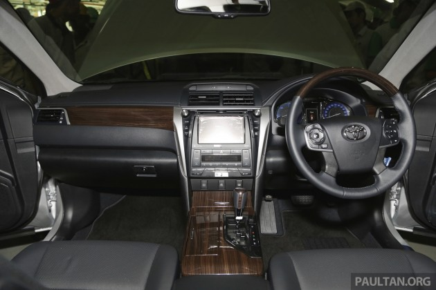 Toyota Camry Hybrid Line Off 9