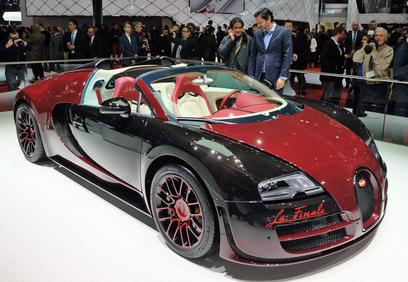bugatti veyron 16 4 grand sport vitesse la finale the 450th and last veyr. Black Bedroom Furniture Sets. Home Design Ideas