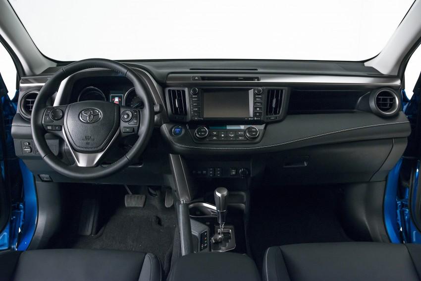 2016 Toyota RAV4 Hybrid, facelift make NY debut Image #325032