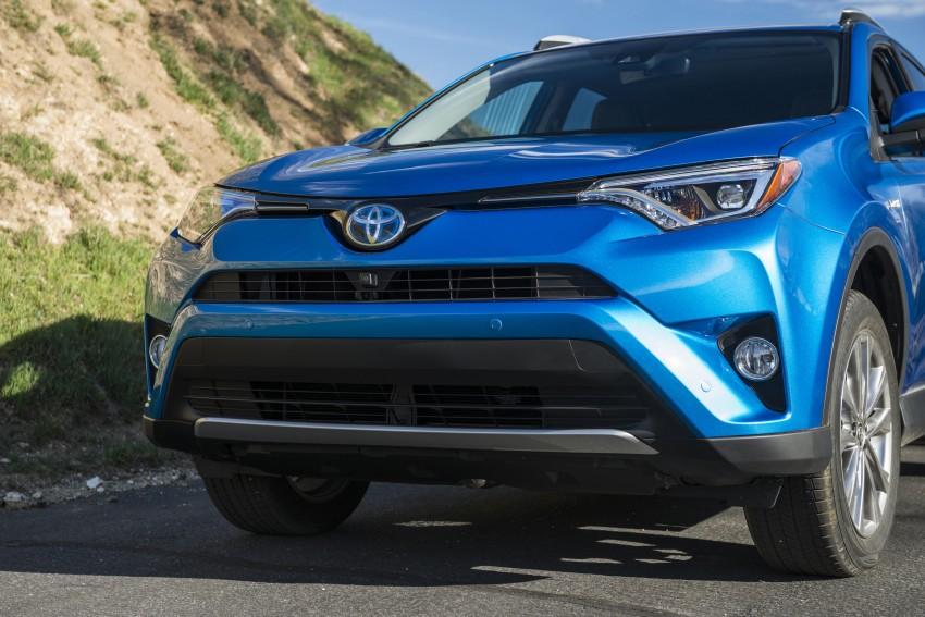 2016 Toyota RAV4 Hybrid, facelift make NY debut Image #325035