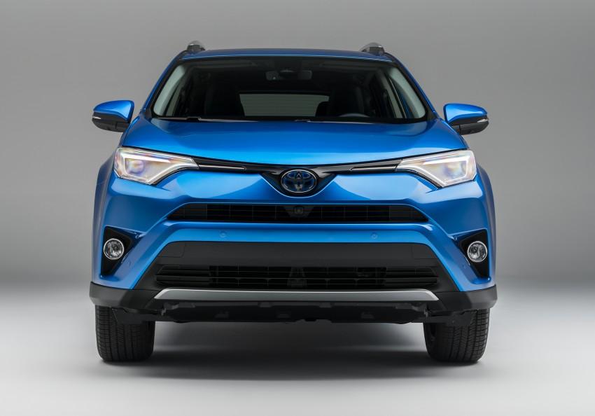 2016 Toyota RAV4 Hybrid, facelift make NY debut Image #325051