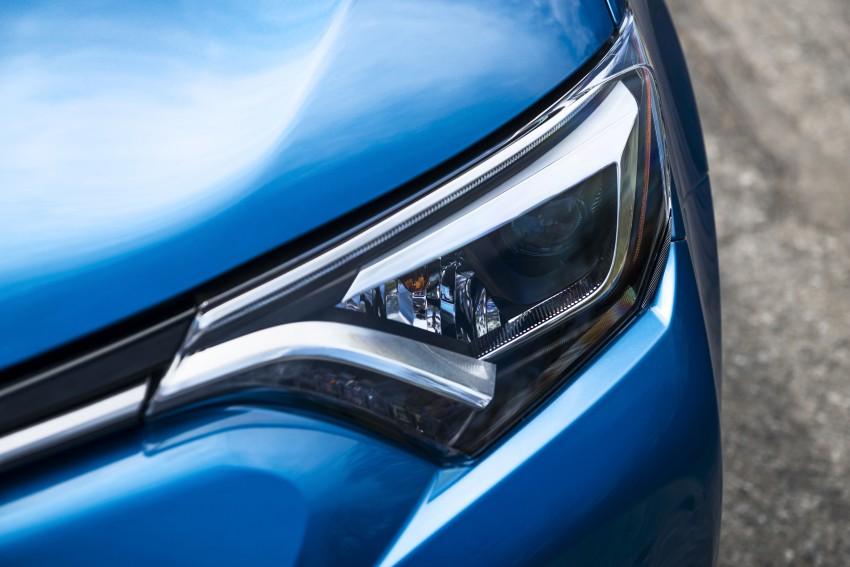 2016 Toyota RAV4 Hybrid, facelift make NY debut Image #325061