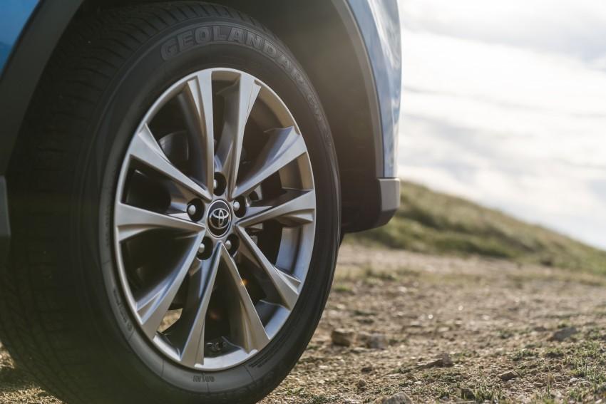 2016 Toyota RAV4 Hybrid, facelift make NY debut Image #325063
