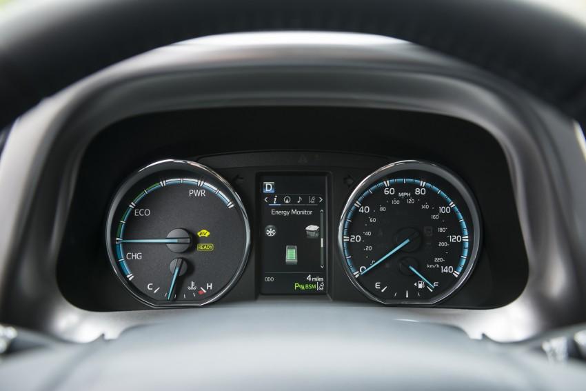 2016 Toyota RAV4 Hybrid, facelift make NY debut Image #325072