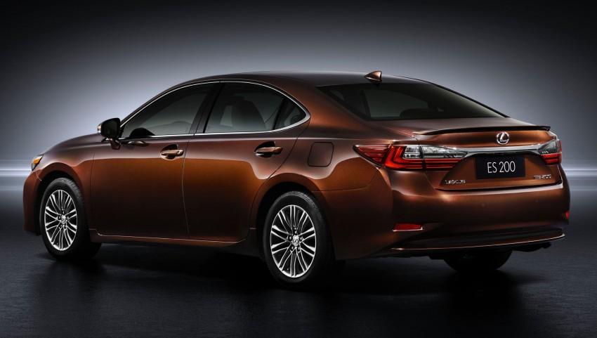 Shanghai 2015: Lexus ES facelift unveiled, new 2.0 mill Image #330300