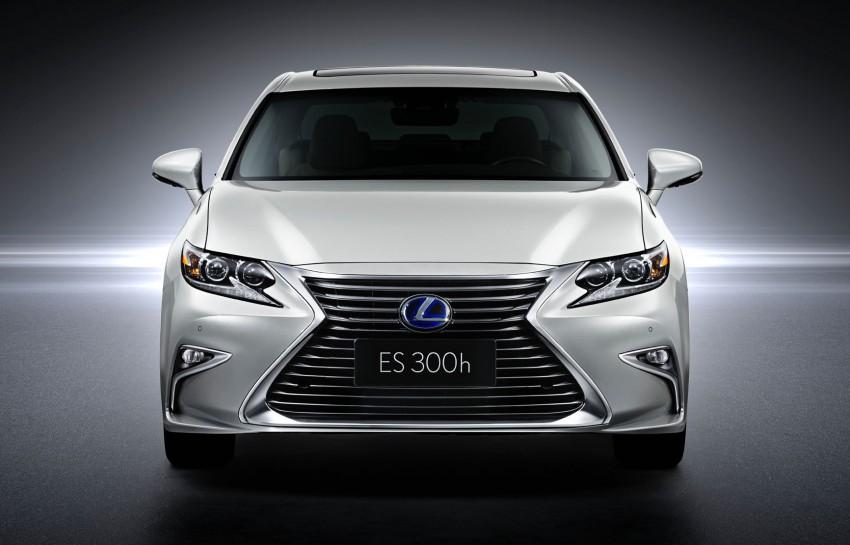 Shanghai 2015: Lexus ES facelift unveiled, new 2.0 mill Image #330290
