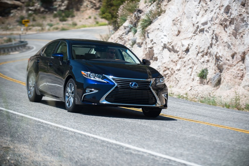 Shanghai 2015: Lexus ES facelift unveiled, new 2.0 mill Image #358566