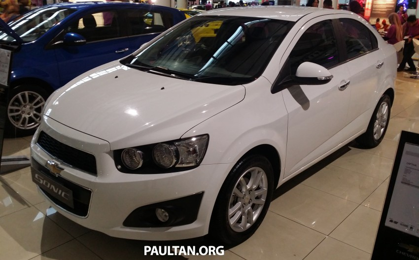 Chevrolet Sonic 1.6 hatchback and sedan introduced Image #332726