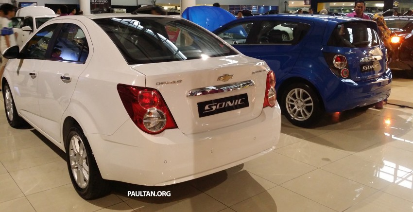 Chevrolet Sonic 1.6 hatchback and sedan introduced Image #332727