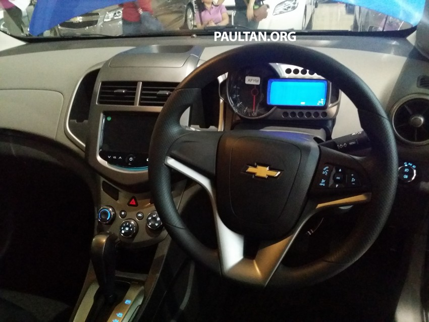 Chevrolet Sonic 1.6 hatchback and sedan introduced Image #332728