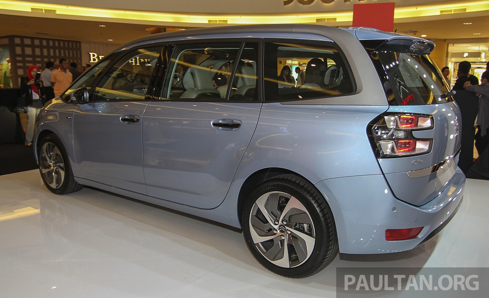 citroen grand c4 picasso petrol launched rm180k image 329065. Black Bedroom Furniture Sets. Home Design Ideas