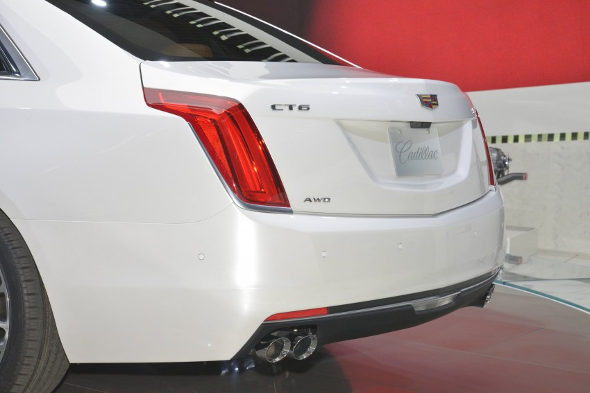 2016 Cadillac CT6 rocks up to New York with 400 hp Image #325327