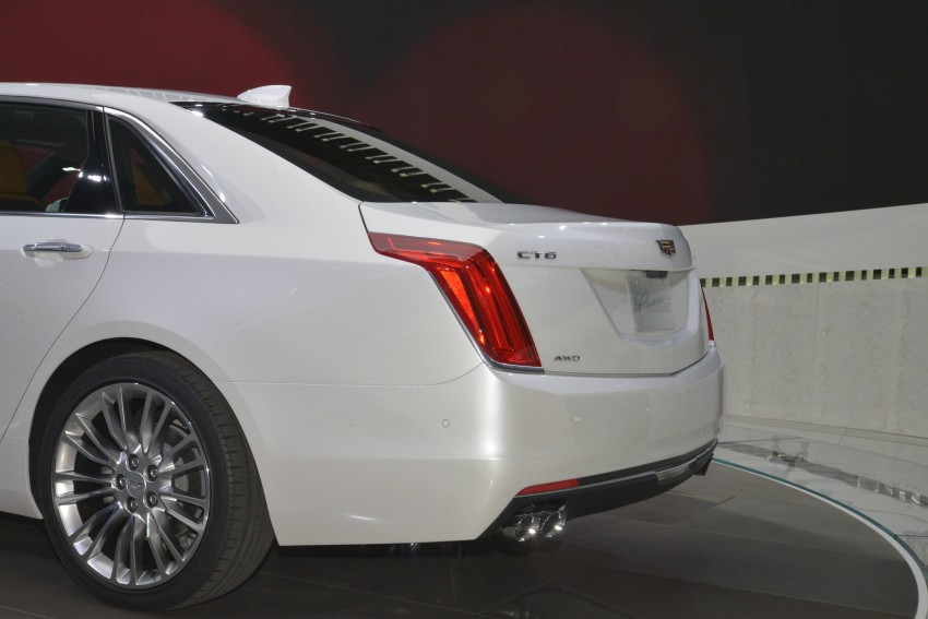 2016 Cadillac CT6 rocks up to New York with 400 hp Image #325322