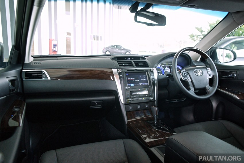 2015 Toyota Camry launched in Malaysia – new 6-spd 2.0E RM150k, 2.0G RM160k, 2.5 Hybrid RM175k Image #324225