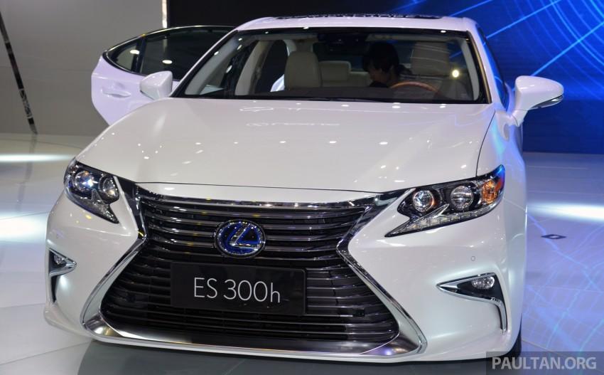 Shanghai 2015: Lexus ES facelift unveiled, new 2.0 mill Image #330387
