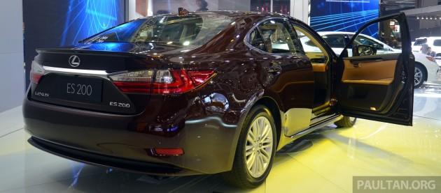 lexus-es-facelift-shanghai 1240