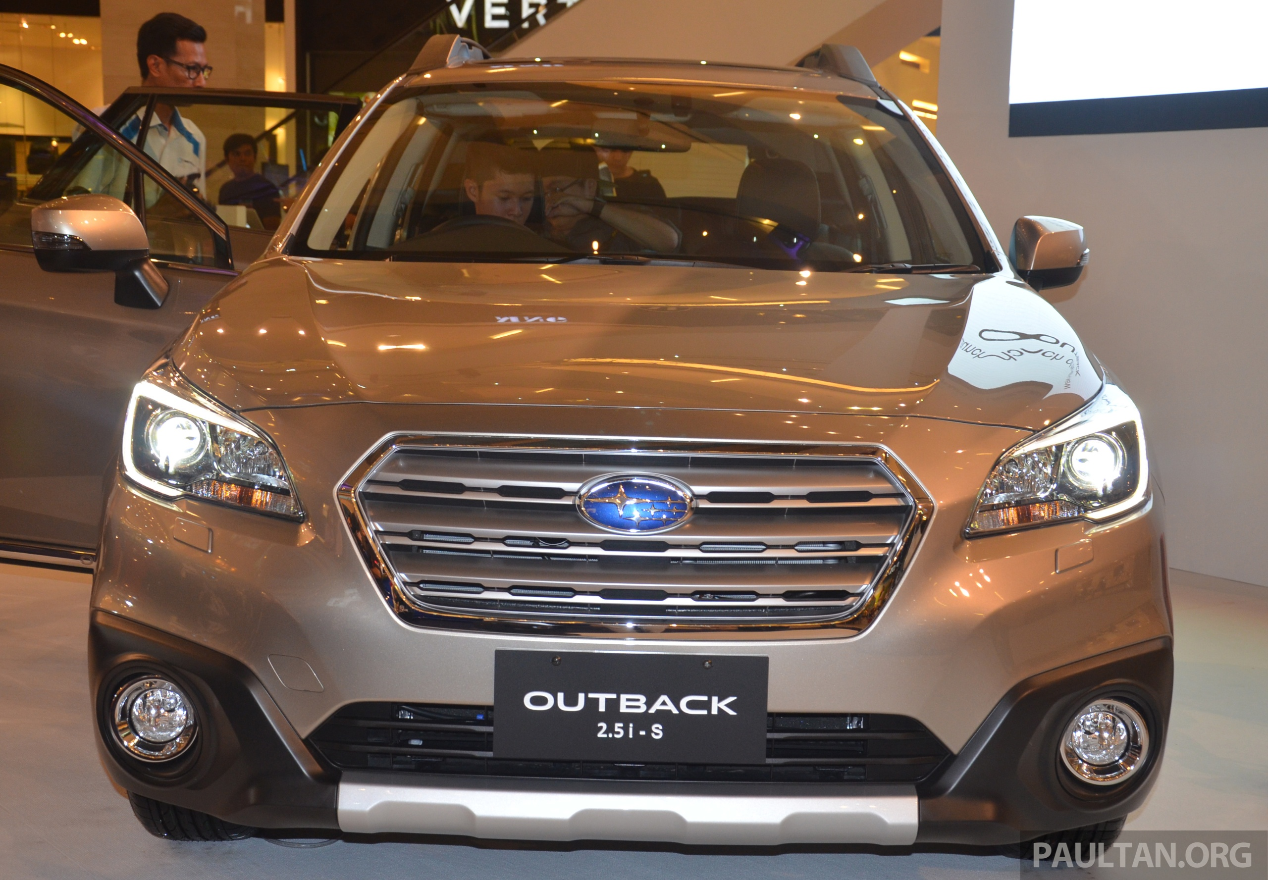 2015 subaru outback launched in msia rm225k image 334183. Black Bedroom Furniture Sets. Home Design Ideas