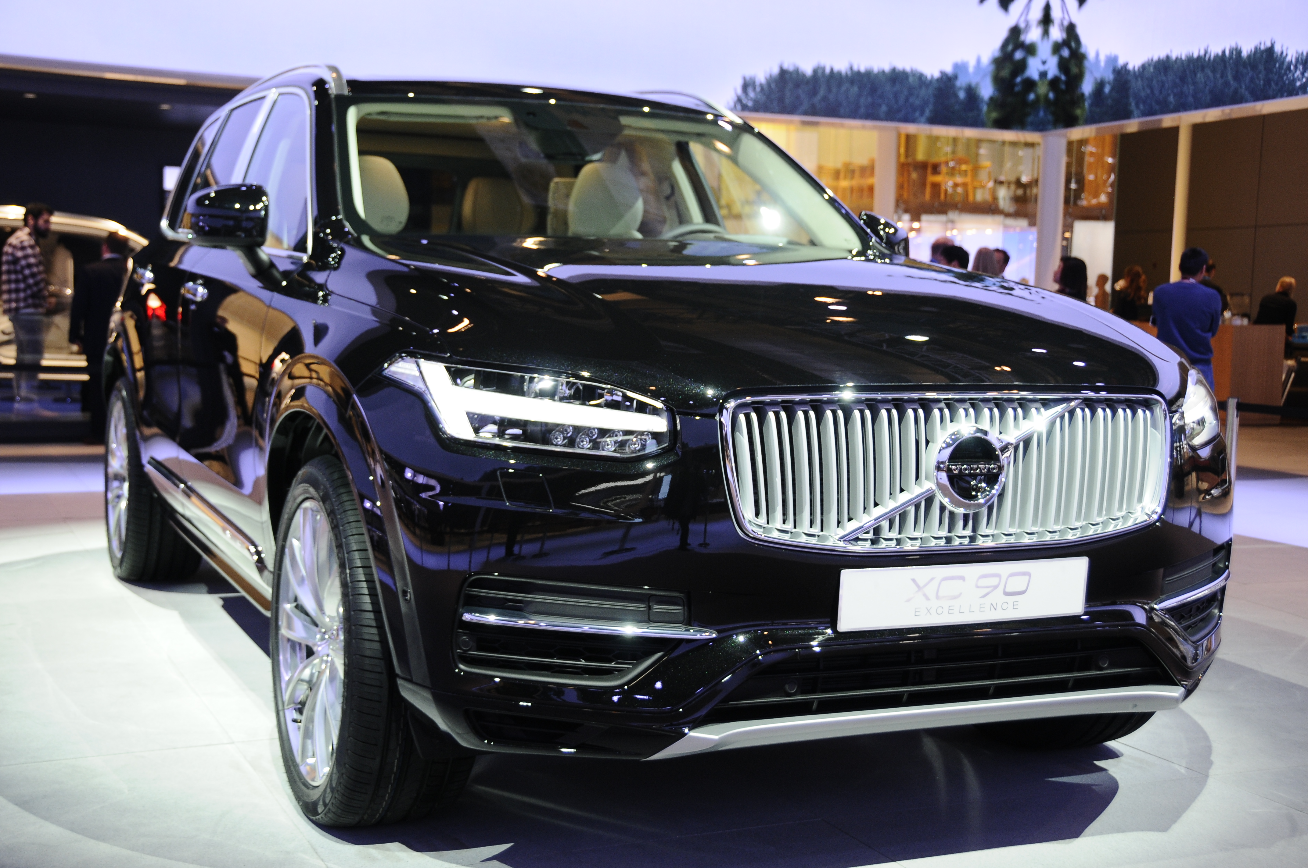 volvo xc90 excellence luxurious 4 seat suv debuts paul tan image 332618. Black Bedroom Furniture Sets. Home Design Ideas