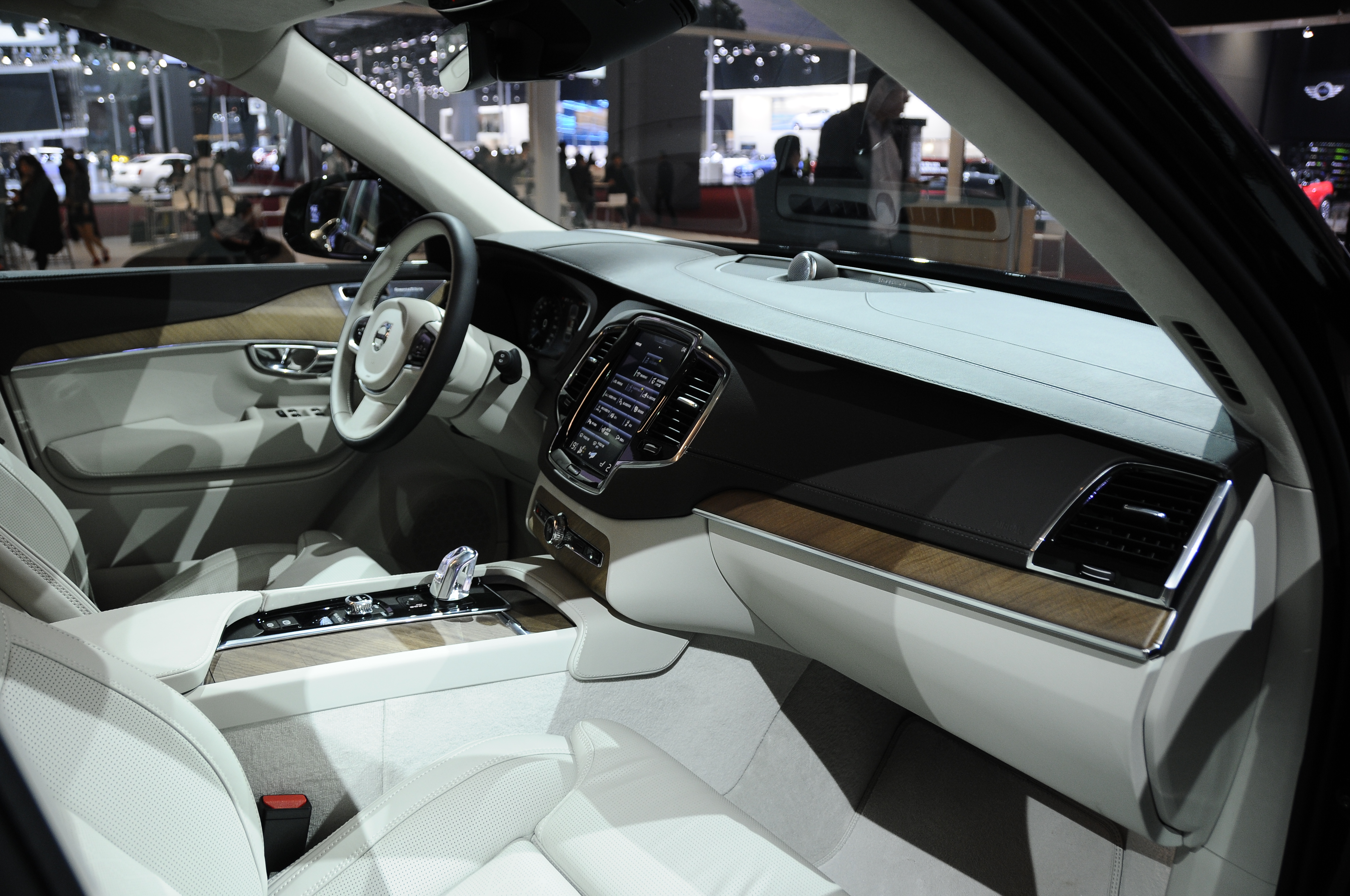 Volvo Xc90 Excellence Luxurious 4 Seat Suv Debuts Image