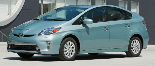 2012_Toyota_Prius_Plugin_003
