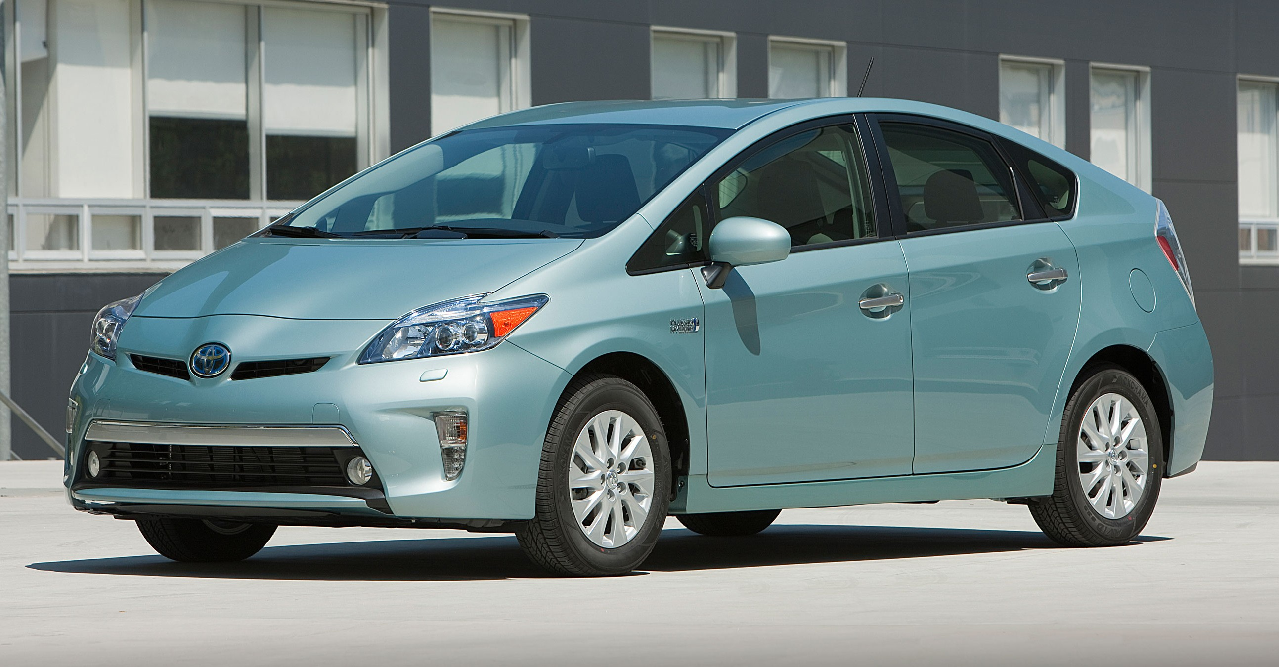 2015 Toyota Prius Plug In Hybrid Production Ends