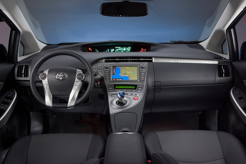2015 Toyota Prius Plug-in Hybrid production ends Image #335319
