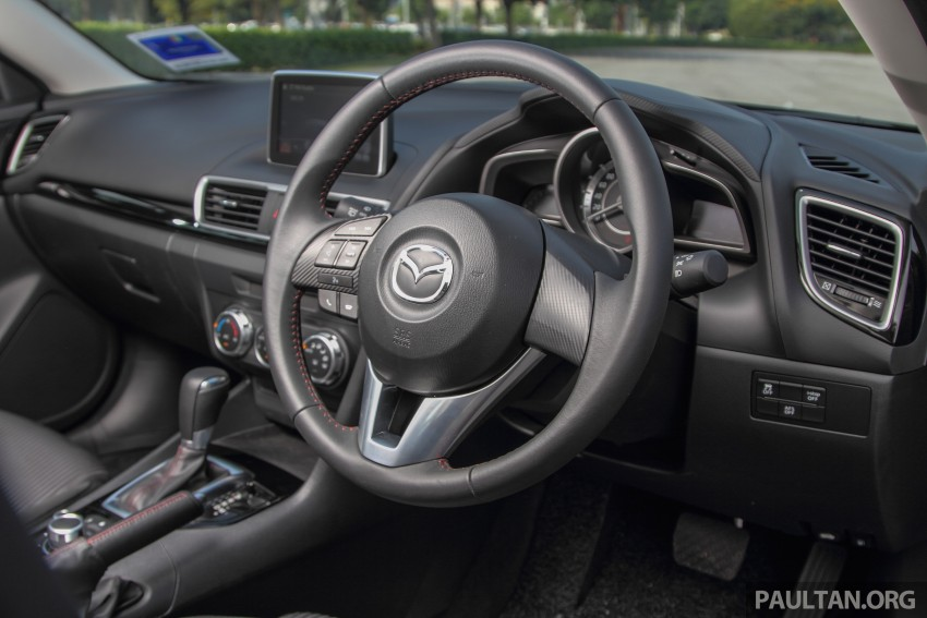 GALLERY: 2015 Mazda 3 CKD – Sedan vs Hatchback Image #337725