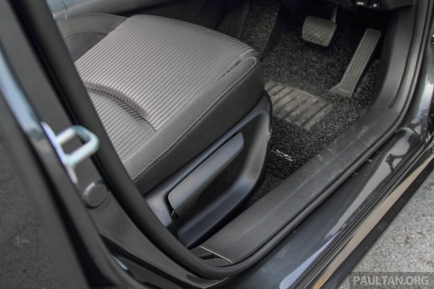 GALLERY: 2015 Mazda 3 CKD – Sedan vs Hatchback Image #337726