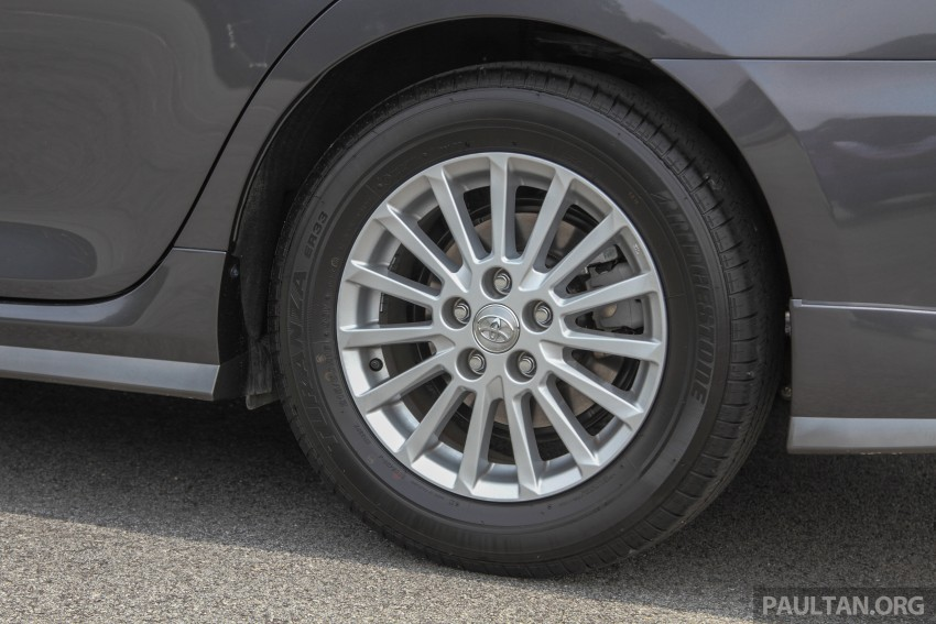 GALLERY: 2015 Toyota Camry – 2.0G or 2.5 Hybrid? Image #337949