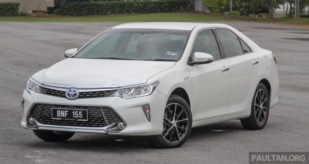 toyota camry hybrid price unchanged for 2016. Black Bedroom Furniture Sets. Home Design Ideas
